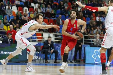 Milos Teodosic against Baskonia