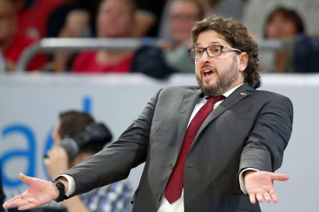 Andrea Trinchieri of Brose Bamberg