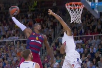 Anthony Randolph blocks Joey Dorsey